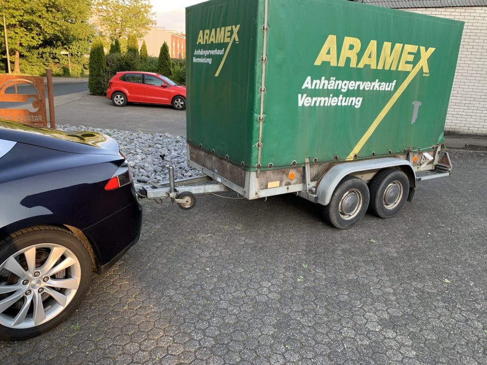 Experience with Tesla Model S and Trailer Hitch